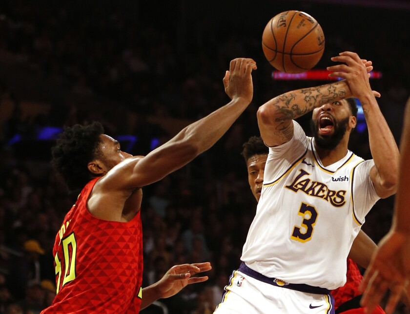 Atlanta Hawks v Los Angeles Lakers
