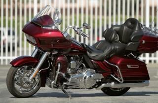 Highway 1: 2015 Harley-Davidson CVO Road Glide Ultra