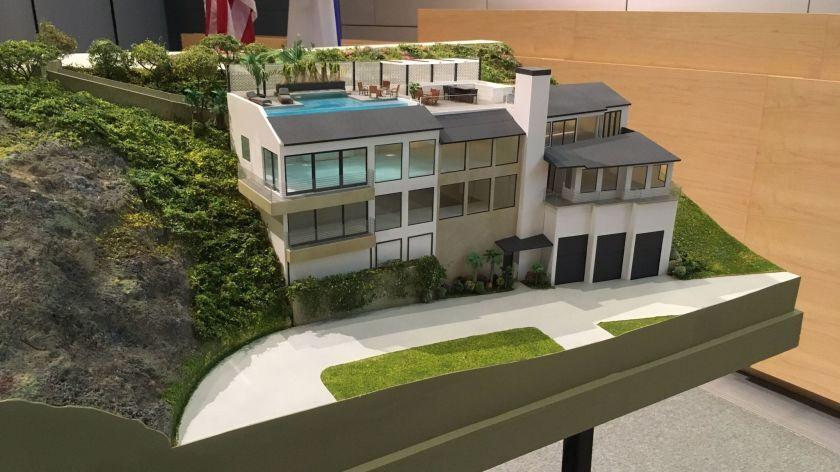 Corona del Mar property owner drops bid for disputed mansion