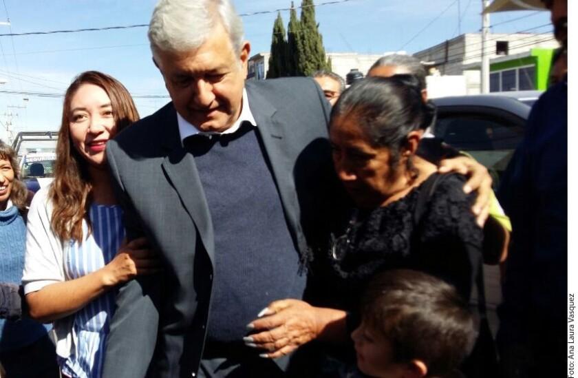 El precandidato de Morena a la Presidencia de México, Andrés Manuel López Obrador, sostuvo que en el proceso electoral buscará diálogo con las iglesias cristianas y las distintas religiones para lograr la paz.