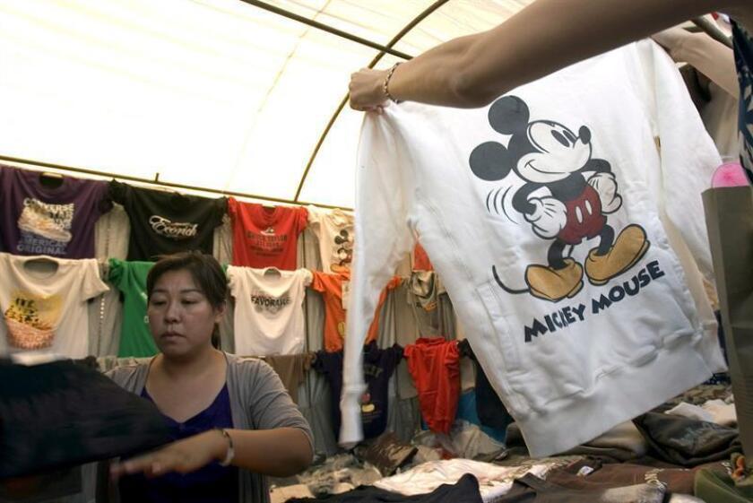 La Policía Federal de México incautó 27.033 artículos falsos de la marca Disney en un par de operativos en la Ciudad de México, informó hoy la Procuraduría General de la República (fiscalía, PGR). EFE/ARCHIVO