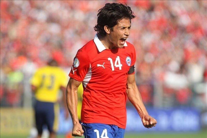 En la imagen, el jugador de Chile Matías Fernández. EFE/Archivo