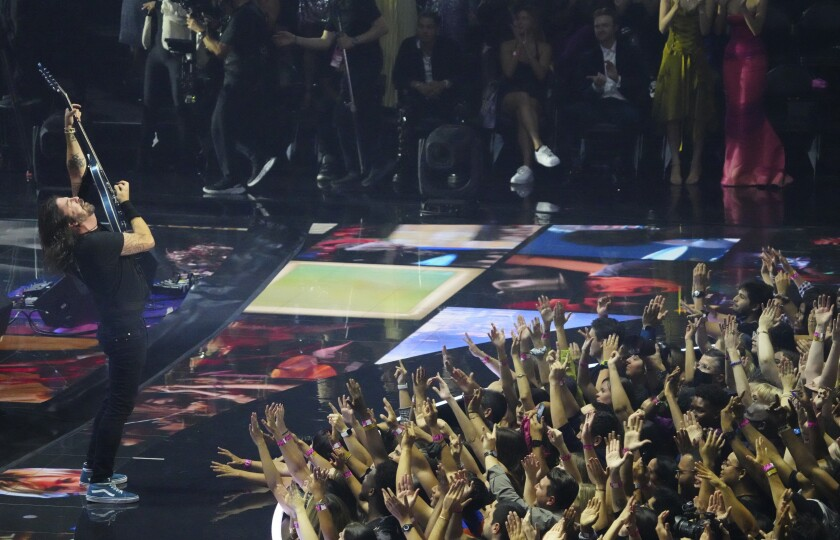 Dave Grohl of the Foo Fighters performs at the MTV Video Music Awards at Barclays Center