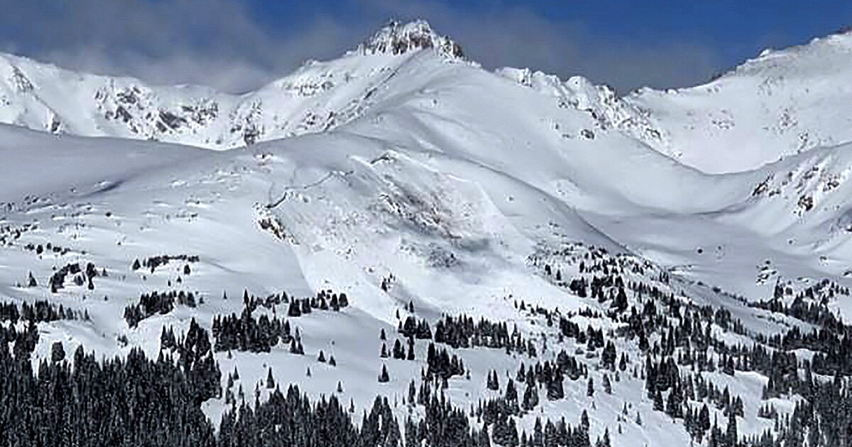 Avalanche deaths near record in U.S. - Los Angeles Times