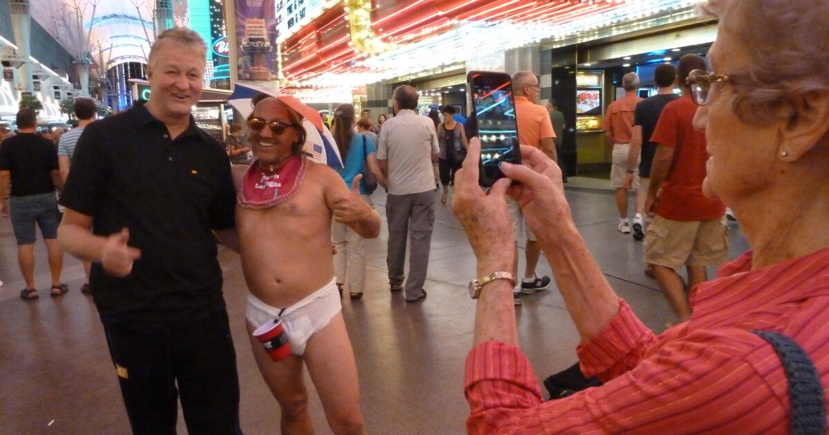 Anything Goes With Las Vegas Street Performers Mdash And That S The Problem Los Angeles Times Stream tracks and playlists from mr nightmare on your desktop or mobile device. las vegas street performers