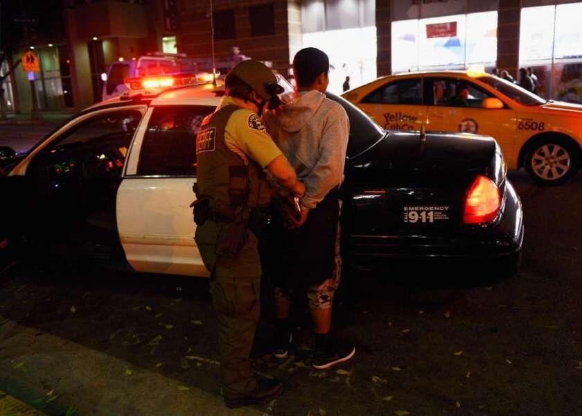 Afirmado, policias de LAUSD asechan a minorias