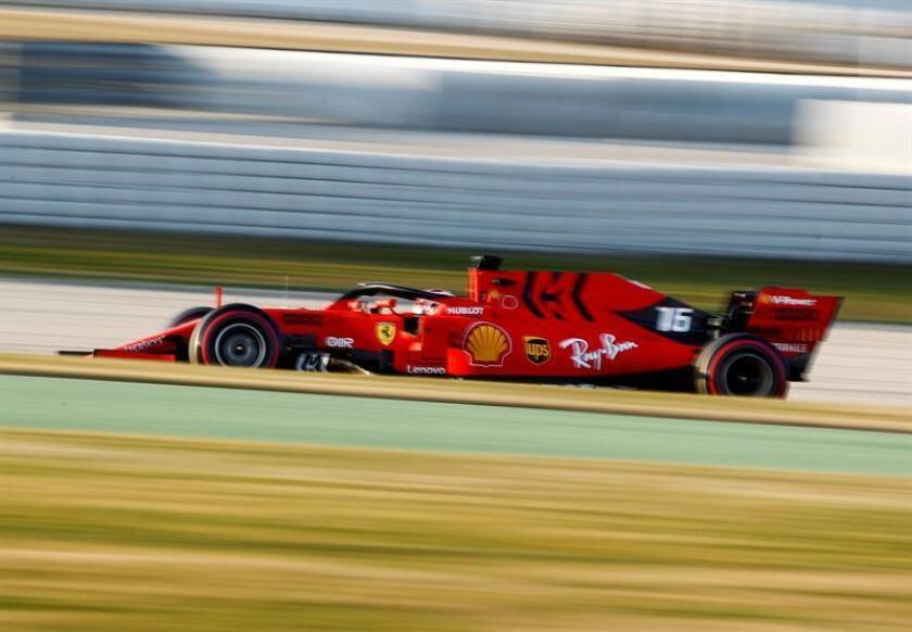 El piloto francés Charles Leclerc, de la Scuderia Ferrari Mission Winnow, durante la segunda tanda en la tercera jornada de entrenamientos oficiales de pretemporada de Fórmula Uno que se celebran en el Circuito de Barcelona-Catalunya en Montmeló (Barcelona). EFE