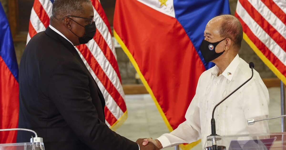 Philippine president retains pact allowing U.S. war exercises