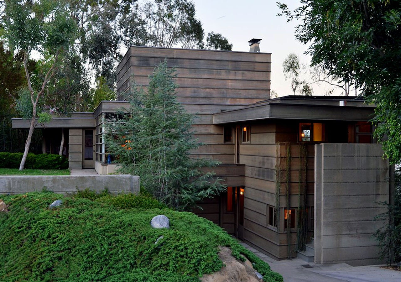 The How House is a registered Historic-Cultural monument and is considered a triumph of Schindler's early career with notable design influences from his Frank Lloyd Wright apprenticeship. The house includes a garden designed by Richard Neutra.