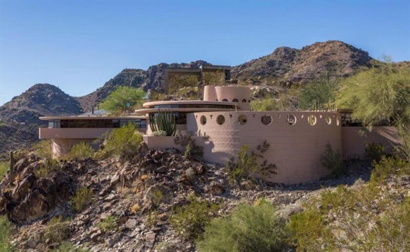 Fotografía sin fecha cedida por la agencia de bienes raíces The Agency, de la casa circular diseñada por Frank Lloyd Wright que se encuentra a la venta en Arizona (Estados Unidos). EFE/The Agency/SOLO USO EDITORIAL/NO VENTAS