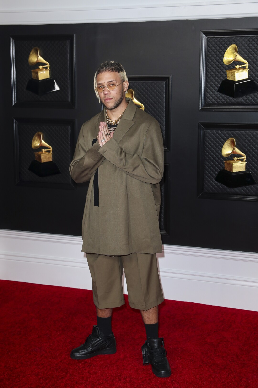 2021 Grammys: Fashion from the red carpet - Los Angeles Times