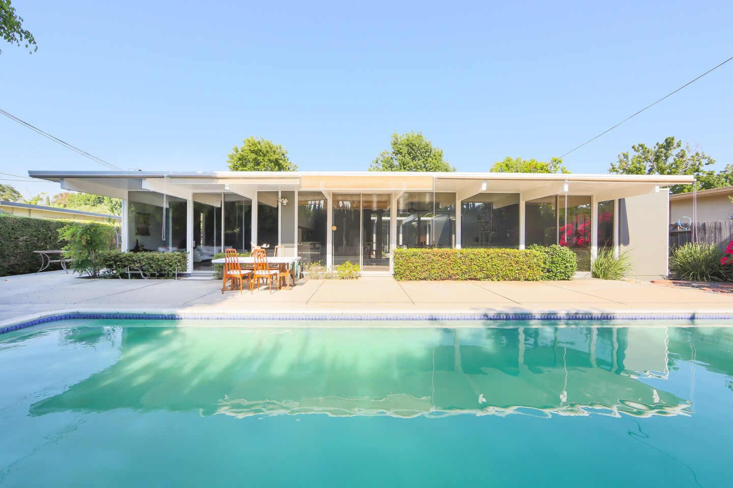 Home of the Day: An Eichler original in Orange
