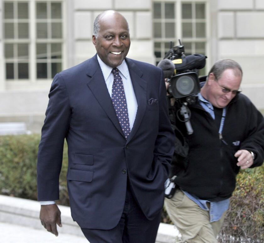 En esta foto del 27 de noviembre del 2006, Vernon Jordan