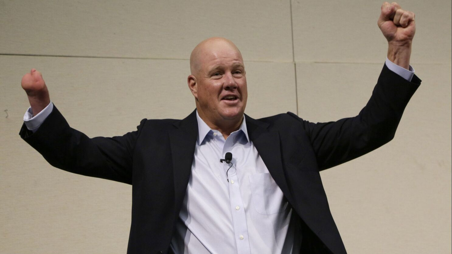Former Angels pitcher Jim Abbott provides inspiration at Newport library - Los Angeles Times