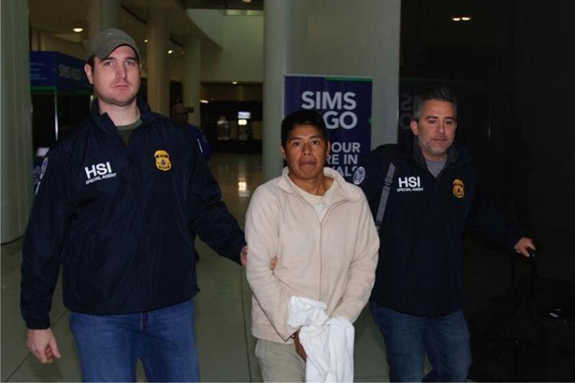 Uno de los diez fugitivos más buscados en Estados Unidos por trata sexual, que explotaba a sus víctimas en Nueva York y otras ciudades, fue extraditado de México y presentado a corte el pasado fin de semana, informó hoy el Departamento de Justicia. EFE/ICE/ SÓLO USO EDITORIAL/NO VENTAS