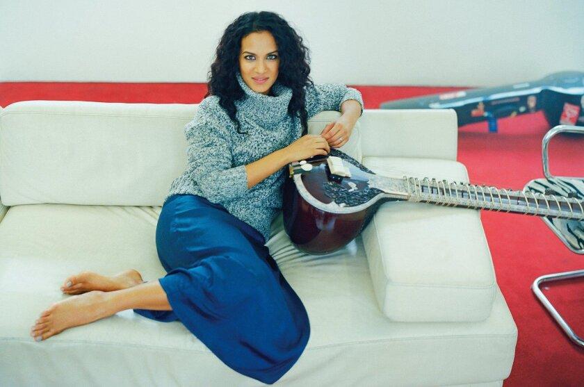 Anoushka Shankar. Jamie-James Medina photo
