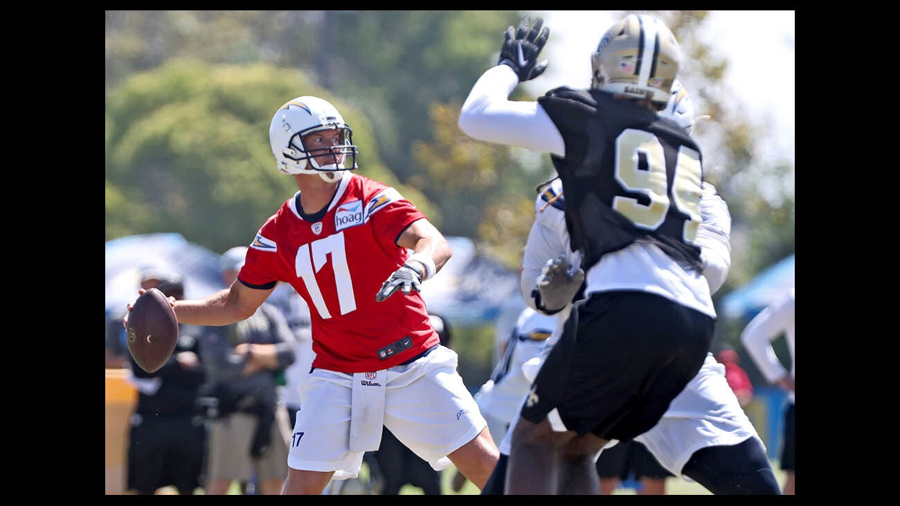 la-nfl-l-a-chargers-hold-joint-practice-with-n-016