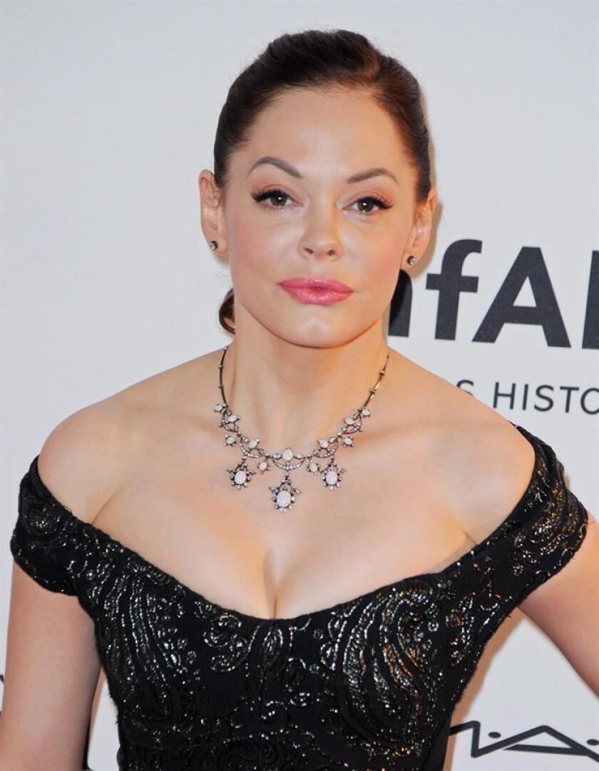 La actriz Rose McGowan, una de las primeras mujeres que acusó a Harvey Weinstein de abusos sexuales, publicó hoy sus memorias en las que detalla cómo fue presuntamente violada por el famoso productor de Hollywood. EFE/ARCHIVO