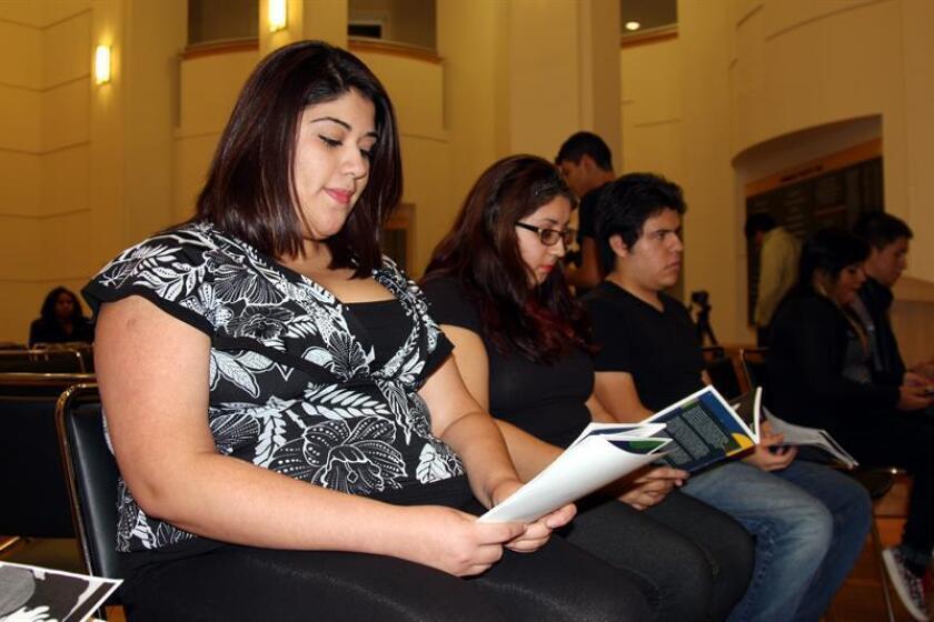 La ciudad de Chicago aplazó hasta marzo la emisión de un nuevo documento de identidad que podrán solicitar también los inmigrantes indocumentados, informó hoy la secretaría municipal. EFE/Archivo
