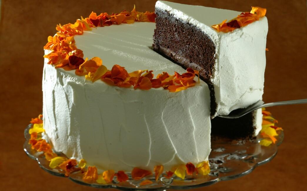 Love goddess cake