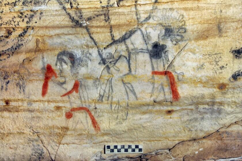 Esta fotografía sin fecha proporcionada por Alan Cressler muestra una cueva de Missouri con pinturas rupestres de hace más de 1.000 años que fue vendida en una subasta el martes 14 de septiembre de 2021. (Alan Cressler vía AP)