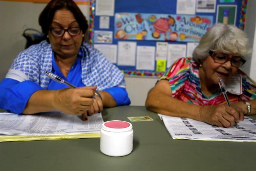 Un juez federal ordenó hoy al Gobierno de Florida proveer material e información electoral en español en 32 condados con población puertorriqueña para garantizar su derecho al voto en las elecciones legislativas del próximo 6 de noviembre. EFE/ARCHIVO