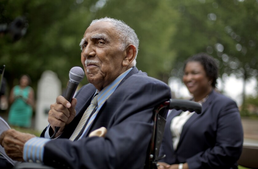 Joseph Lowery, who founded Southern Christian Leadership Conference with Martin Luther King Jr., dies at 98