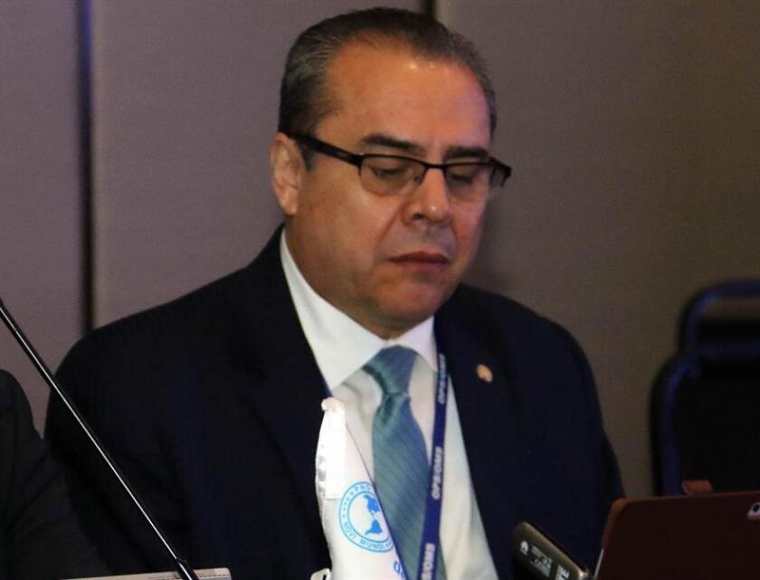 En la imagen un registro del representante de la OPS/OMS en Paraguay, Luis Roberto Escoto, quien dijo que Paraguay ha dado una gran lección en materia de salud, tras conseguir en el mismo año la certificación de la erradicación de la malaria y ahora la eliminación vectorial del Chagas. EFE/Archivo