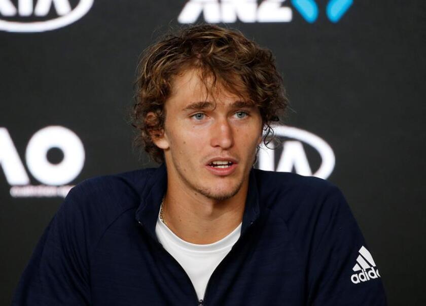 El alemán Alexander Zverev, cuarto favorito en Melbourne, desveló que su tobillo está bien y que se encuentra bastante relajado después de que sufriera una aparatosa caída durante el entrenamiento de este viernes. EFE