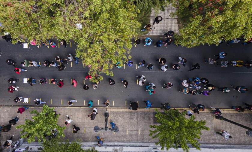 """Chile: Millones dicen """"sí"""" a cambiar la Constitución de la dictadura"""