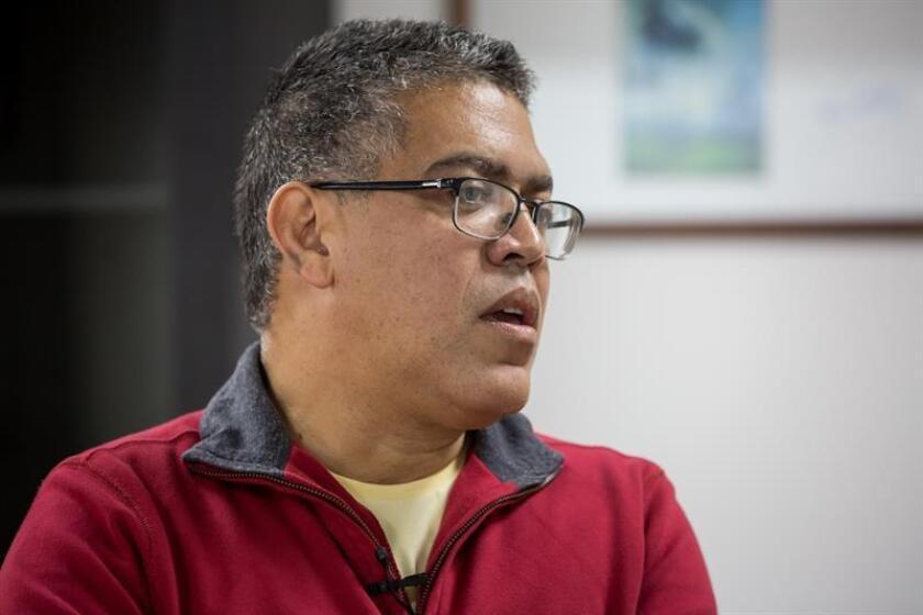 El diputado chavista Elías Jaua, negociador del Gobierno en la mesa de conversaciones con la oposición, aseguró en una entrevista con Efe que una salida electoral del presidente Nicolás Maduro no ha sido planteada nunca en la mesa, pese a lo que aseguran los opositores.