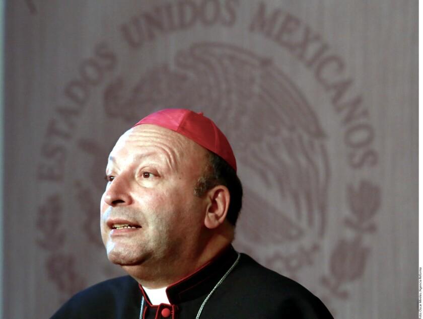 """El nuevo nuncio apostólico en México, el italiano Franco Coppola, dijo hoy que el tema del matrimonio homosexual no debe confrontar a México sino provocar un diálogo para """"encontrar la solución más apta para este país""""."""