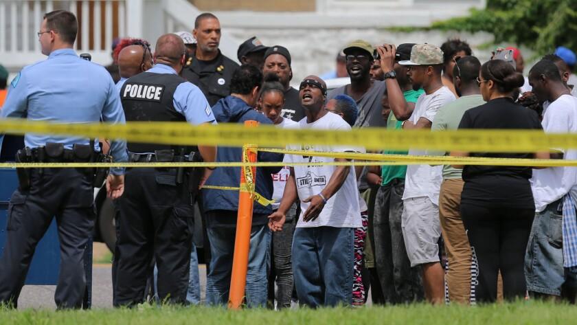 St. Louis police fatally shoot suspect in Fountain Park neighborhood