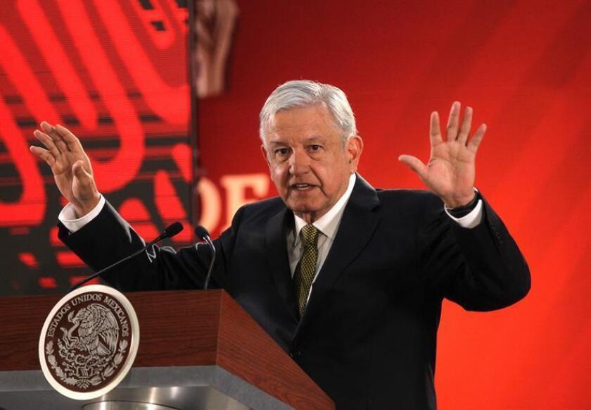 El Presidente de México, Andrés Manuel López Obrador, habla en rueda de prensa matutina el viernes 8 de febrero de 2019 en el Palacio Nacional, en Ciudad de México (México). EFE/Archivo