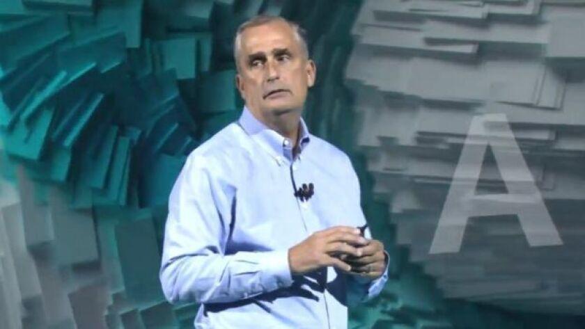 El director ejecutivo de Intel, Brian Krzanich, anunció este lunes que su empresa pondrá a disposición del público en los próximos días software para arreglar las dos fallas en sus chips que salieron a la luz la semana pasada: Meltdown y Spectre.