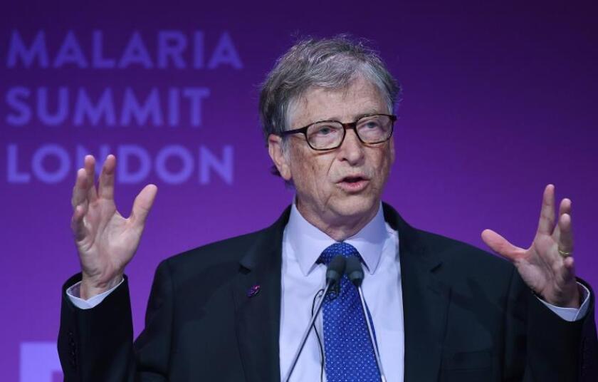 El fundador de Microsoft y filántropo Bill Gates ofrece un discurso en la cumbre sobre la malaria celebrada en Londres (Reino Unido) hoy, 18 de abril de 2018. EFE