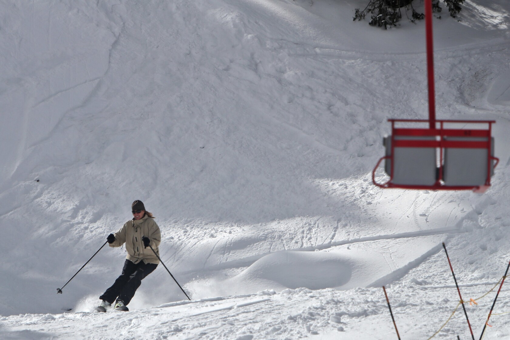 Powdery slopes draw skiers to Waterman despite obstacles