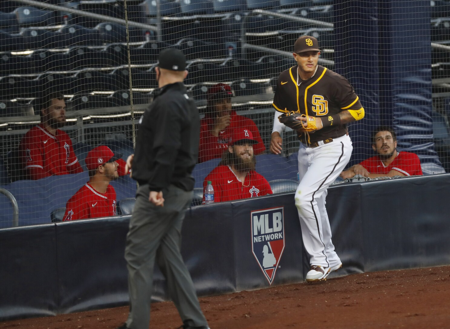 Padres notes: Getting shifty with Manny; subpar offense; Richards ...