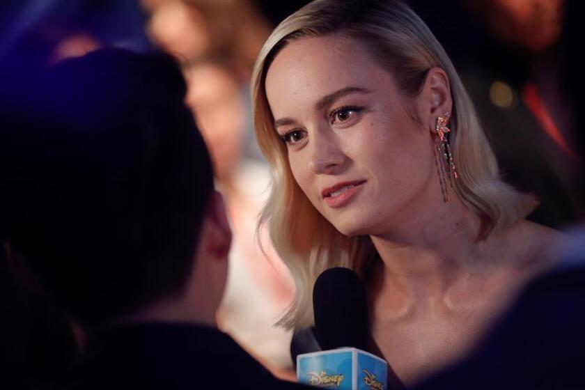 La actriz estadounidense Brie Larson conversa con los medios durante un evento con aficionados de Marvel. EFE/Archivo