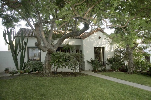 Alan Smart's house in Echo Park is your classic Spanish-style bungalow, graced with jacaranda trees out front. The surprises start as soon as you step inside.
