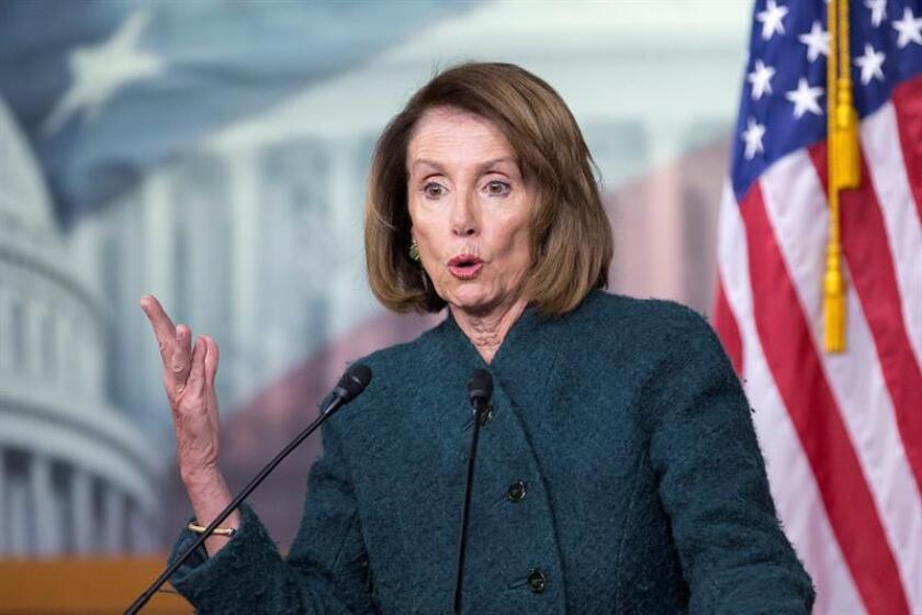La nueva líder de la mayoría en la Cámara de Representantes, Nancy Pelosi, ofrece una rueda de prensa en Washington (Estados Unidos), hoy, 10 de enero de 2019. EFE