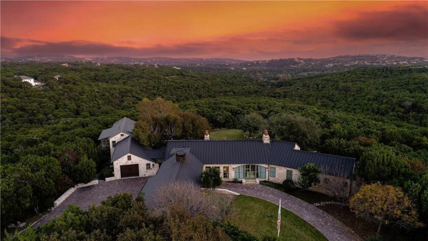 Andy Roddick and Brooklyn Decker sell their 15-acre spread in Austin, Texas