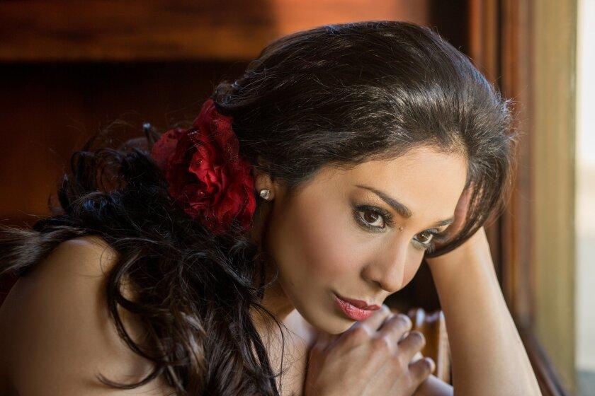 Mezzo-soprano Guadalupe Paz