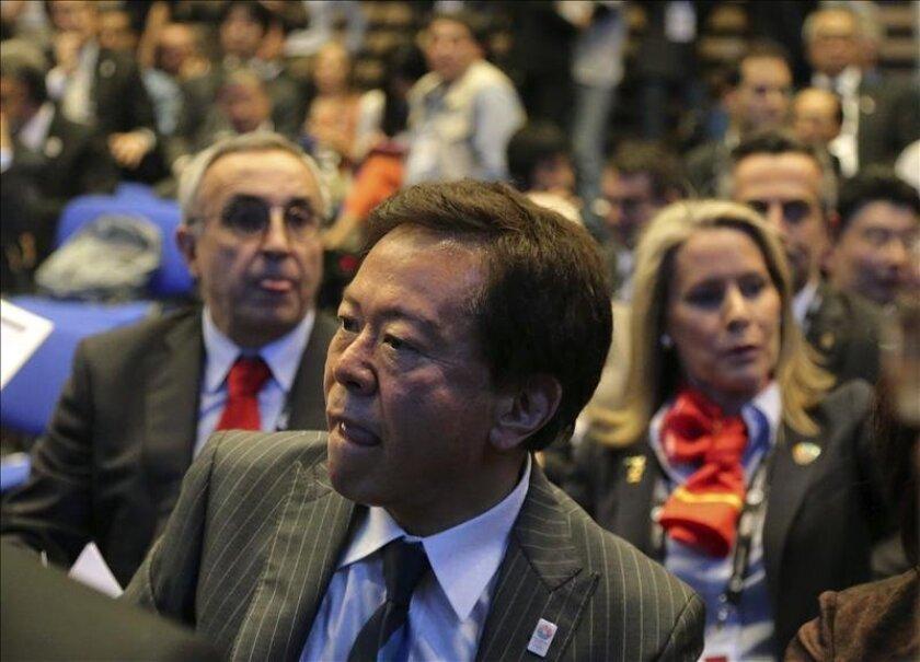 El presidente de la candidatura olímpica Madrid 2020, Alejandro Blanco (izda), y el gobernador de Tokio, Naoki Inose. EFE