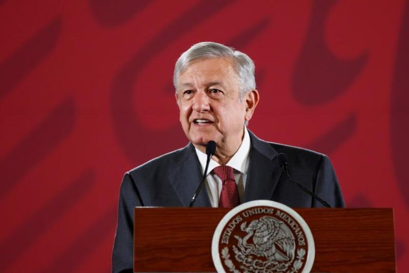 El presidente de México, Andrés Manuel López Obrador, durante su conferencia de prensa matutina en el Palacio Nacional, en Ciudad de México (México). EFE/José Méndez/Archivo