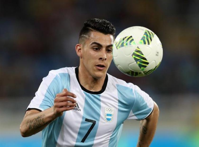 En la imagen, el jugador argentino Cristian Pavón. EFE/Archivo