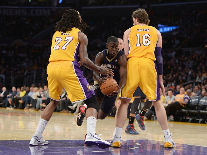 Lakers' home sellout streak ends at 270 games