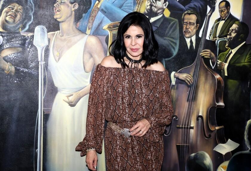 La cantante y actriz Maria Conchita Alonso presenta el video del tema musical relacionado a su nueva obra de cine.