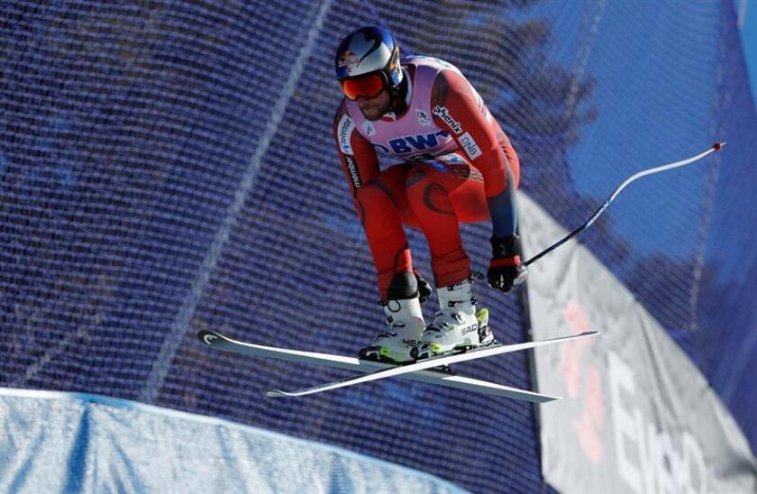 El esquiador Aksel Lund Svindal de Noruega en acción durante un entrenamiento de la Copa del Mundo de Esquí Alpino Birds of Prey, en Beaver Creek, Colorado (EE.UU.). EFE