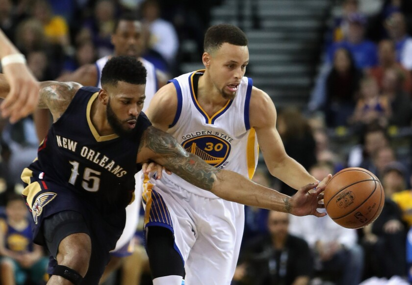 Golden State Warriors improve to 60-6 with home win over Pelicans
